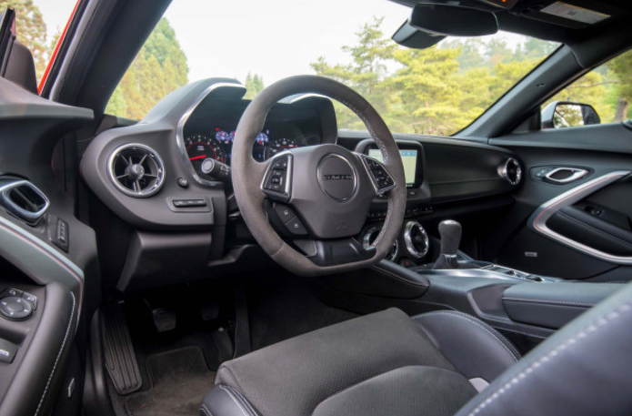 2021 Chevrolet Camaro Interior