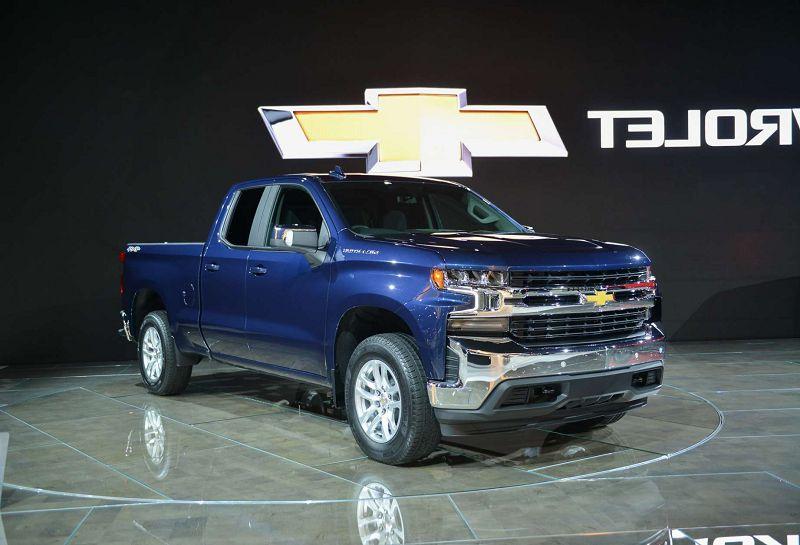 2020 Chevrolet Silverado 2500HD High Country Blue | Chevrolet Engine News